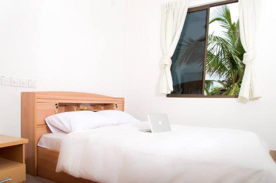 Lhaviyani Atoll: twin sharing rooms