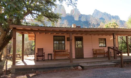 Cave Creek Ranch: One of the cabins available to rent