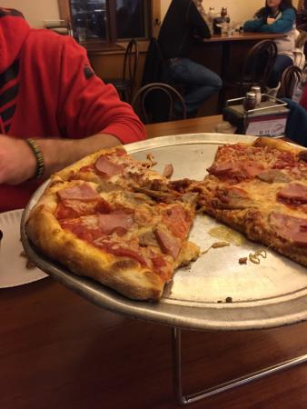 Gustino's Pizza
