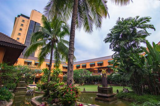 Holiday Garden Hotel Photo