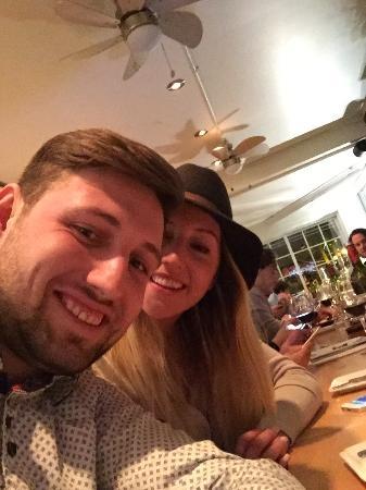 Adele Bistro: Très bon ! Service, entrer, repas, dessert, vin , etc le tout est parfait! très belle endroit à