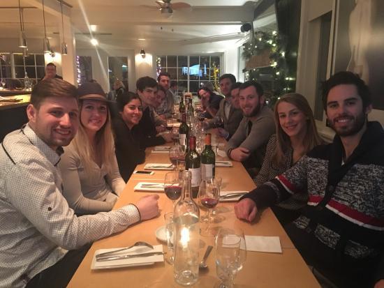 Adele Bistro: Belle soirée entre amis au Bistro Adèle! Ambiance intime et chaleureuse, le menu saura plaire à