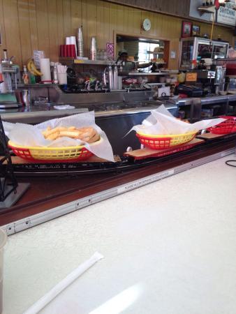 Choo Choo Restaurant: photo1.jpg