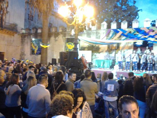 Ambiente En Plaza 1 De Mayo También Terraza De Bar Cafetería
