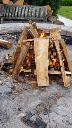 Seabrook Cottage Rentals: Community fire pits
