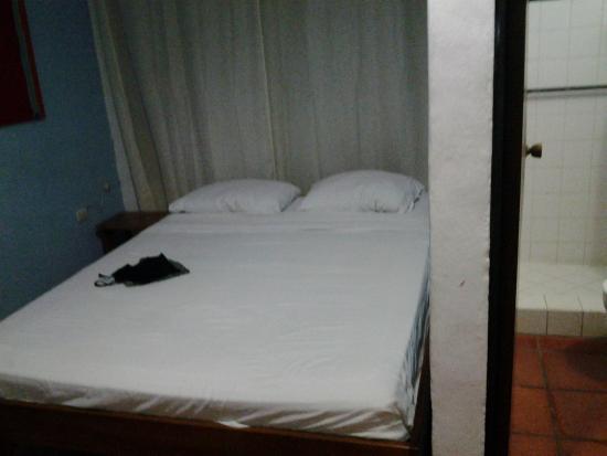Hotel Mono Azul: Il letto