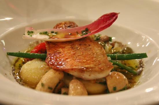 Great fish main course picture of restaurant makoto aoki for Fish on main