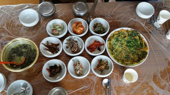 Taean-gun South Korea  city pictures gallery : 시골밥상 Picture of Countryside Table, Taean gun TripAdvisor