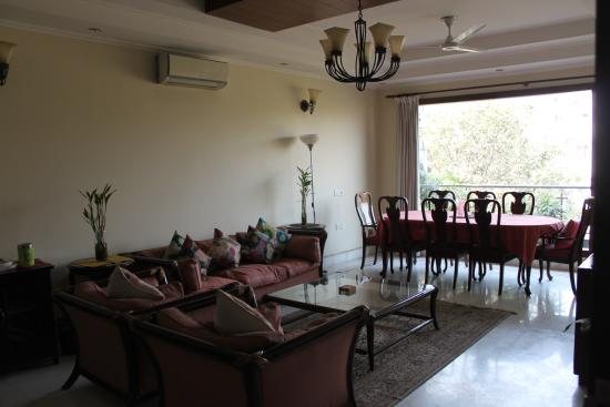 Saket Bed and Breakfast: Sitting Room