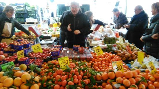 سوق سانت أمبروجو