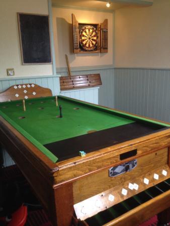The Woodbine Inn: Bar billiards & darts room