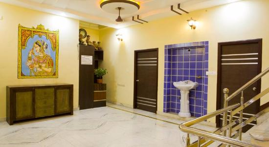 Astounding Lobby Area Outside Our Three Rooms Picture Of Oyo 22202 Home Interior And Landscaping Synyenasavecom