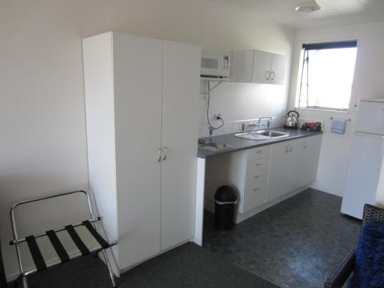 Buller Bridge Motel : Kitchen area