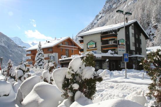 Hotel Taescherhof : Aussen Winter