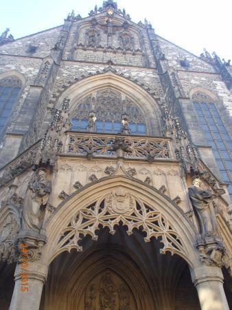 Brno, جمهورية التشيك: Very Imposing Building