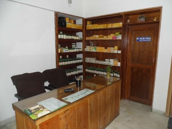 Keraleeyam : An Ayurveda And Panchakarma Centre