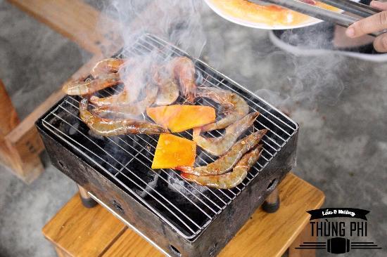 Thùng Phi BBQ