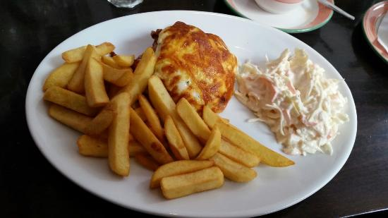 Marguerites Restaurant: Lasagne, chips & coleslaw