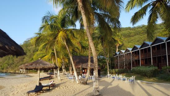 Charlestown, Canouan: Zimmer, Strand und Strandbar