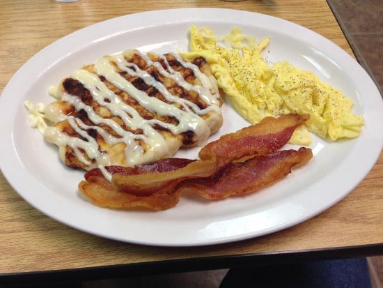 The Flipping Egg: Cinnamon roll waffle....mmmmmmm