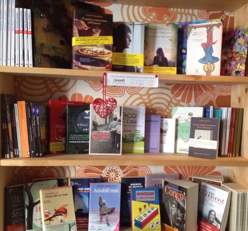 La libreria per bambini ragazzi e adulti foto di for Mobile libreria per bambini