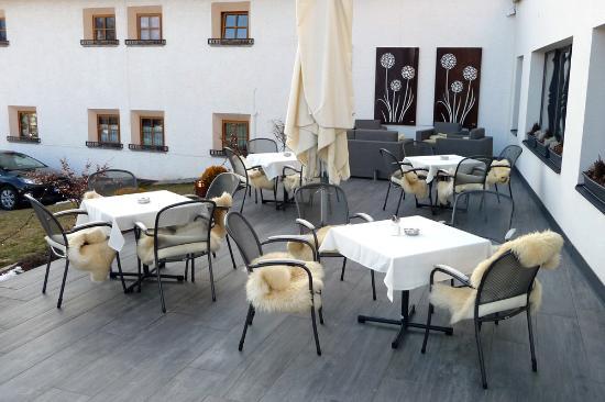 Hotel Bergblick: DieTerrasse