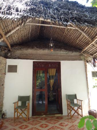 White Beach Hotel Zanzibar: номер под общей крышей