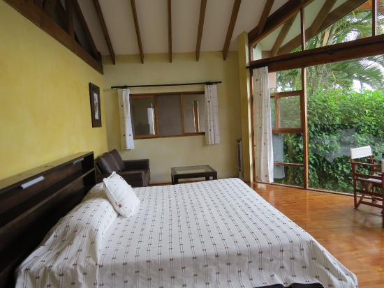 Tenorio Lodge: super grande chambre confortable.