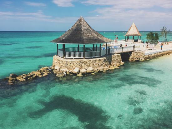 Seagarden Beach Resort Photo