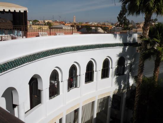 Riad Chergui: Vue sur notre chambre depuis la terrasse...
