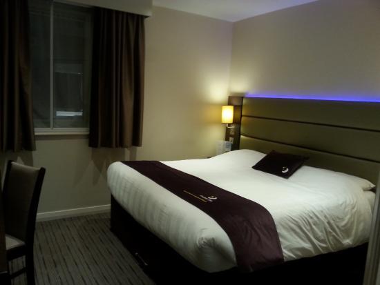 large tv in room picture of premier inn aberdeen city centre hotel rh tripadvisor co uk