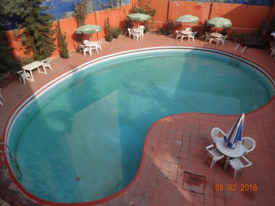 โรงแรมไวชาลิ: Very clean and safe water pool