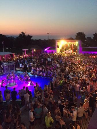 chase status 2015 picture of pure beach club laganas tripadvisor rh tripadvisor co uk