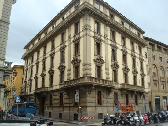 Hotel Duca D'Aosta: вид здания, в котором расположен отель