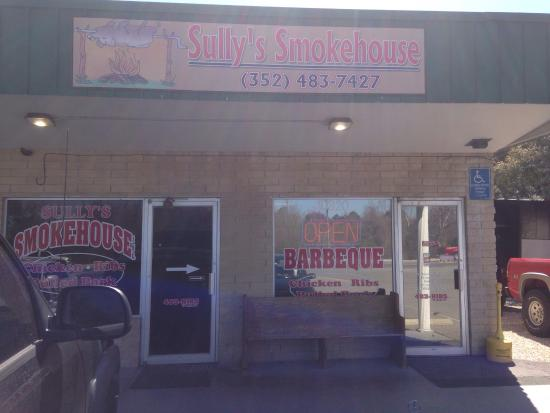 Sully's Smokehouse: photo2.jpg