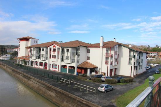 Sommier enfin planche photo de vvf villages urrugne for Hotels urrugne