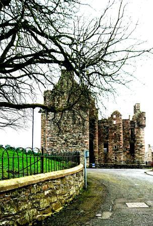 MacLellan's Castle: _20160226_153845_large.jpg