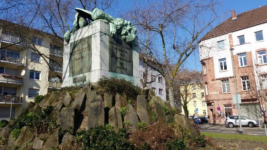 Hessendenkmal