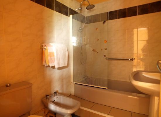 le mareuillais hotel mareuil sur lay dissais france voir les tarifs et 33 avis. Black Bedroom Furniture Sets. Home Design Ideas