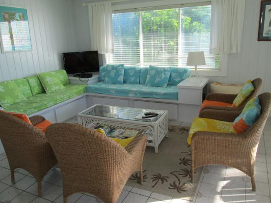 Sea Spray Resort & Marina: Villa Frontroom Area