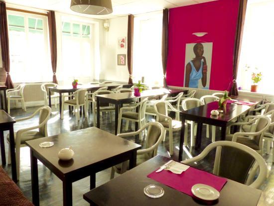 Buzancais, Fransa: La salle banquet et de petits déjeuners.