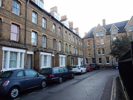 Rewley House: Wellington Square (no. 9 is near the corner)