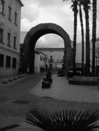 Arco de Trajano... - Picture of Arco de Trajano, Merida - TripAdvisor