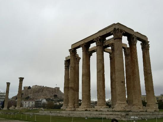Temple of Olympian Zeus - Picture of Temple of Olympian ...