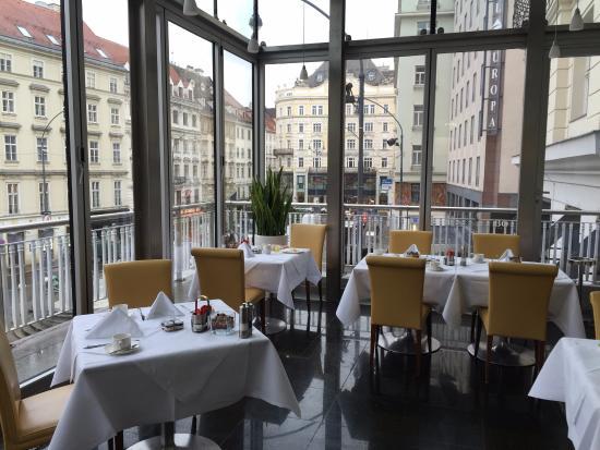 Hotel Ambassador: la salle de petit déjeuner