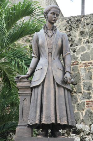 Statue of Salome Urena de Henriquez