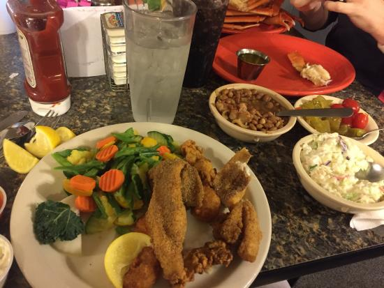 Fish Net Family Restaurant: Plenty of food for the money