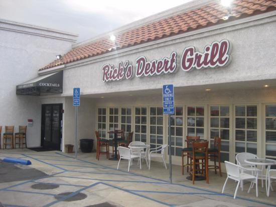 Rick's Desert Grill: The outside does not do justice to the inside.