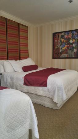 double queen hotel room picture of best western plus sutter house rh tripadvisor in