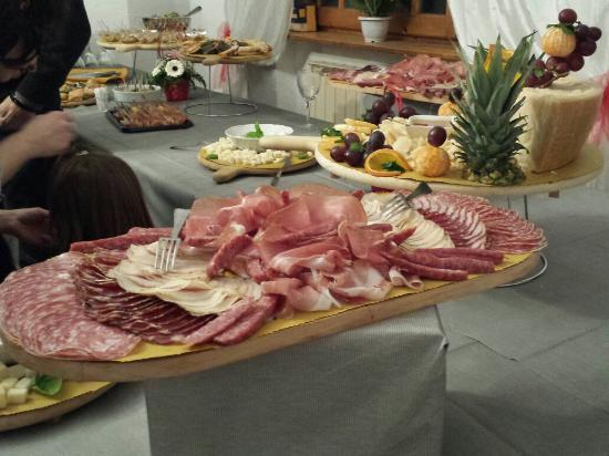 Costacciaro, Itália: 20160227_200132_large.jpg